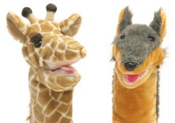 Estas marionetas de mano, que representan al chacal y a la jirafa, son emblemáticas de las sesiones de CNV